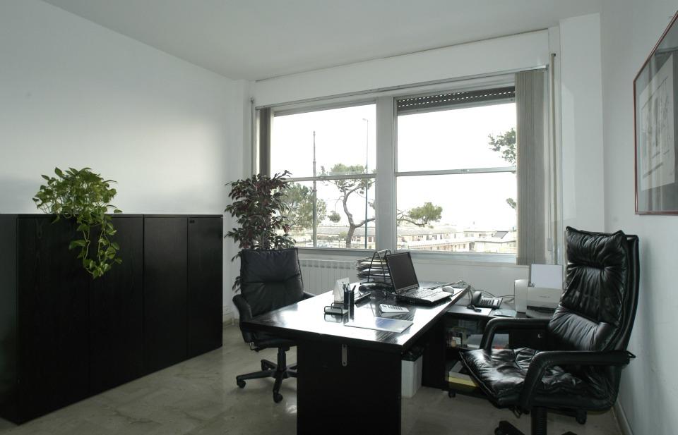 Ufficio arredato for Ufficio arredato
